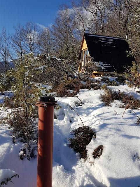 izolovaná a vyhřívaná chata v nadmořské výšce 1000 m
