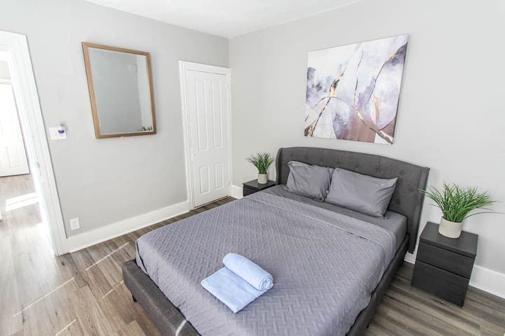 ☆Modern Private Room 7 - Downtown Reading!! ☆