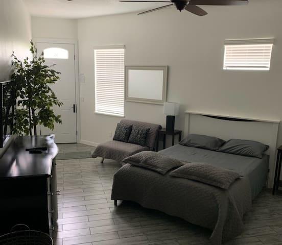 Studio queen size bed