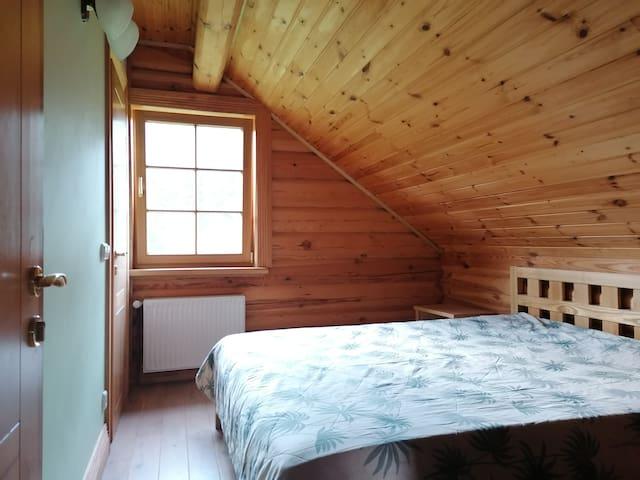 2nd floor - Bedroom 3