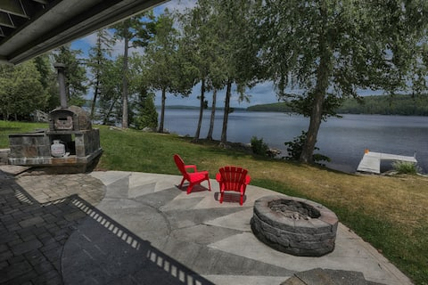 Lakefront: Clean, Private, Fire Pit, BBQ, Kayak/SUP Fish, Swimming