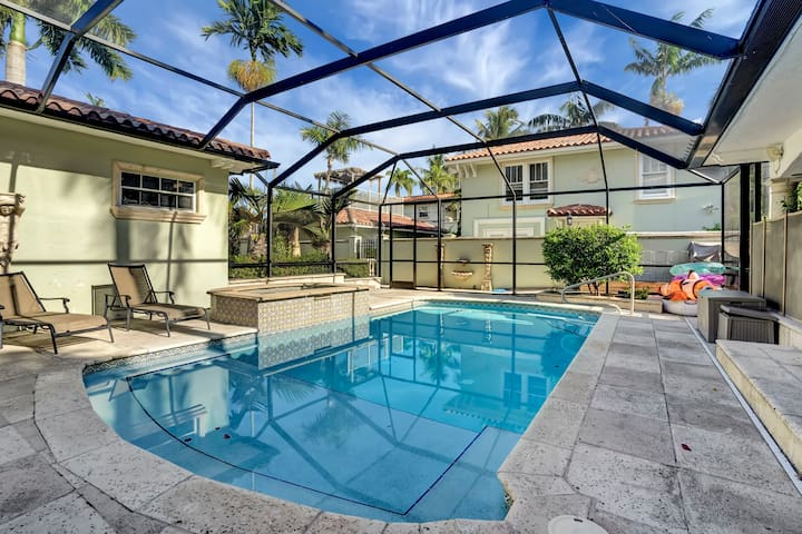 Luxury Estate Home Downtown WPB pool/hot tub