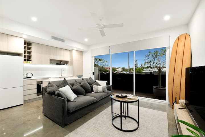 Sunshine Coast Beachside Apartment