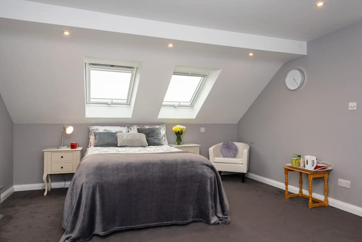 Worthing bright and cosy double room