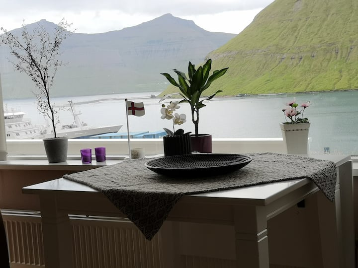 New Apartment with amazing Sea and Mountain View