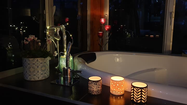 Luxurious sanctuary for couples to relax/unwind