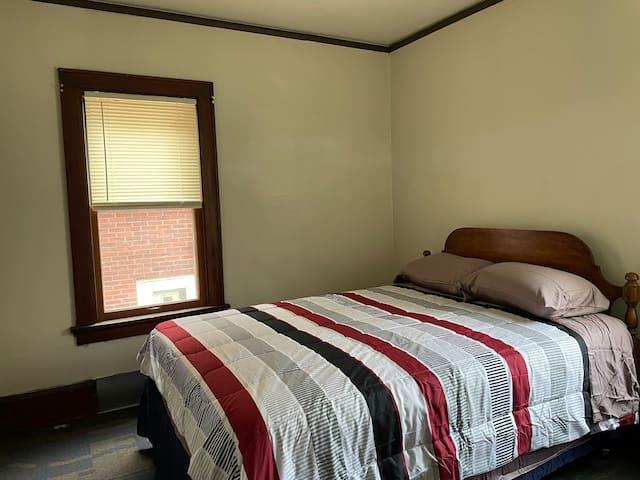 Bedroom #3, Queen size