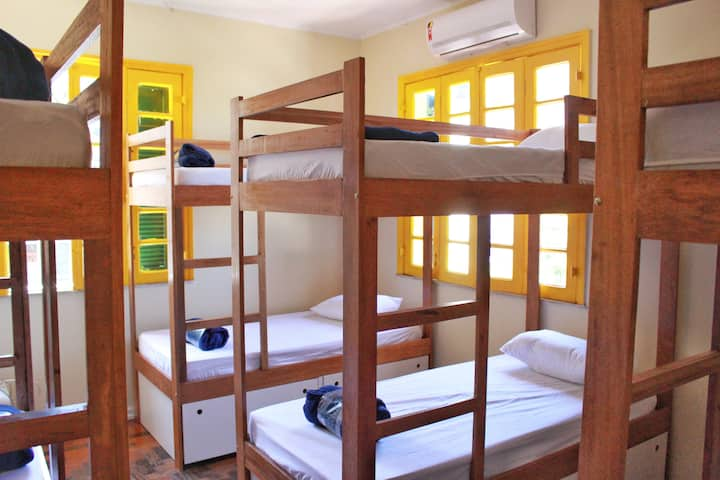 Hostel Maresias do Leme - Quarto com 10 camas