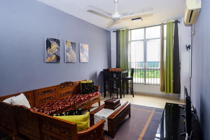 River View with Pool 3-bedroom | Yusmah Riverview