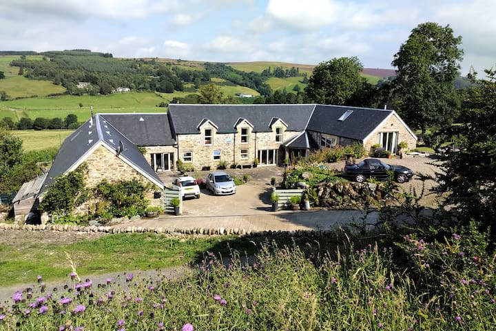 Crowhill Steading offering classic B&B comfort M