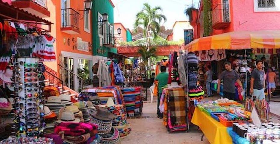 Cuarto Sencillo en el Centro de Cancun