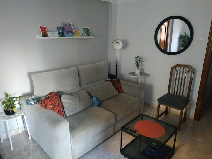 Comfy private furnished room with exterior view