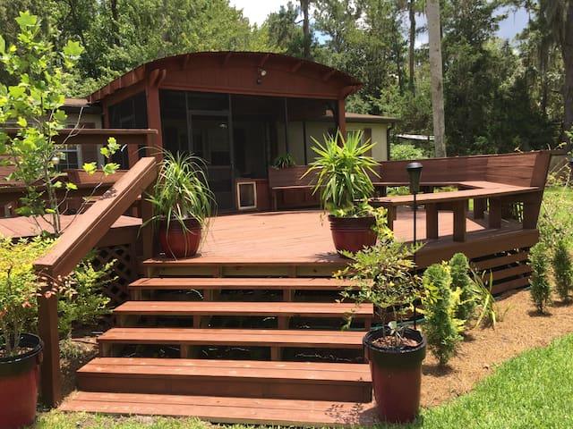 Lake House by Idyllic Santa Fe Lake in Melrose FL