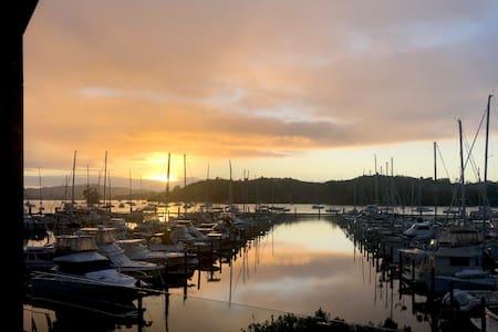OTEHEI Luxury Apartment - Bay of Islands Marina
