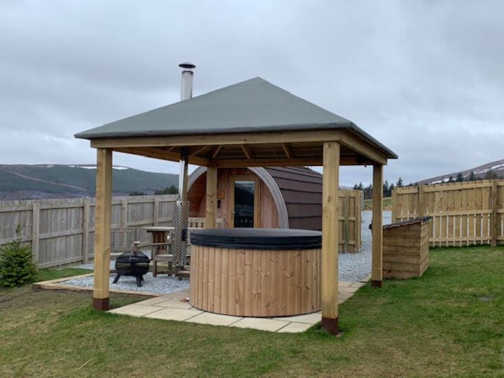 Spacious Ensuite Glamping Pod with Hot Tub