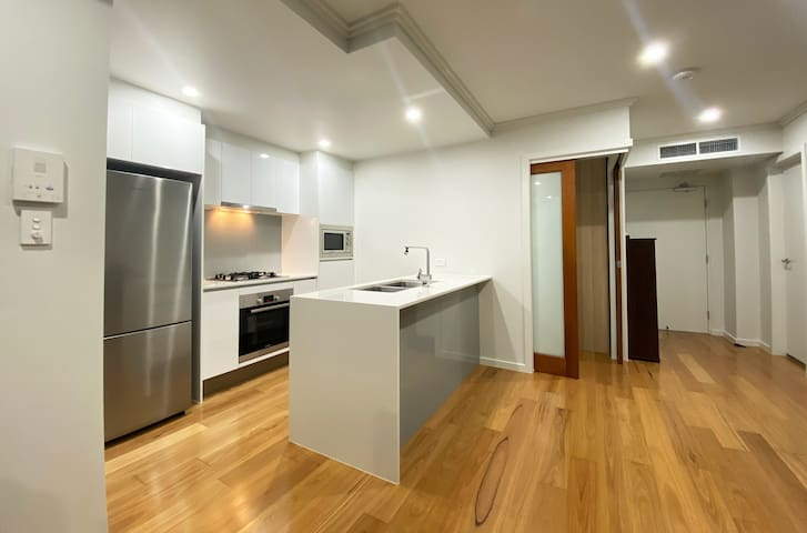 St Lucia Luxury 2-bed Apartment Unit, Next to UQ