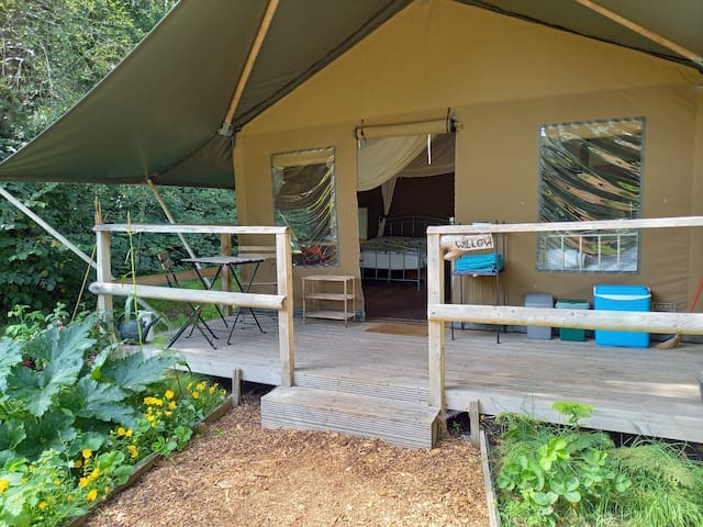 Safari Tent 'Willow' with great facilities