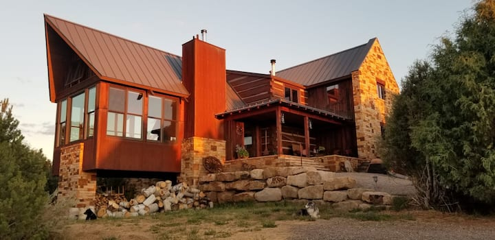 Custom Mountain Home close to Skiing and Hunting