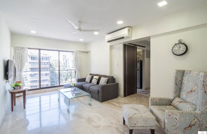 Comfortable & Spacious 2BR in Khar West!