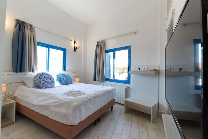 Blue One - 1 BR, By the Sea, Anfeh!