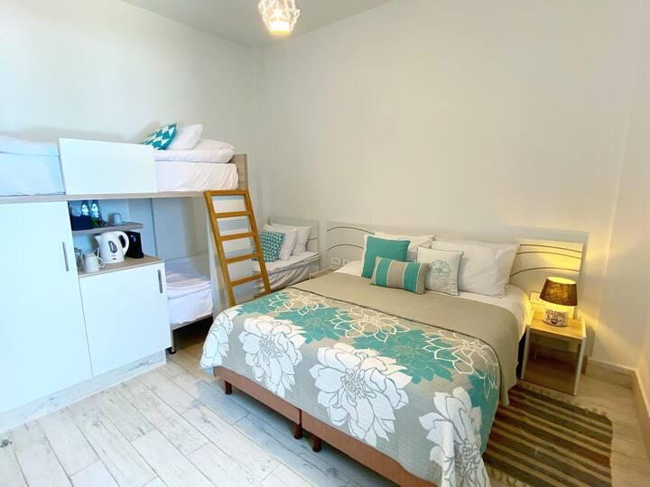 Blue Four - Room in Iskandar Boutique Hotel