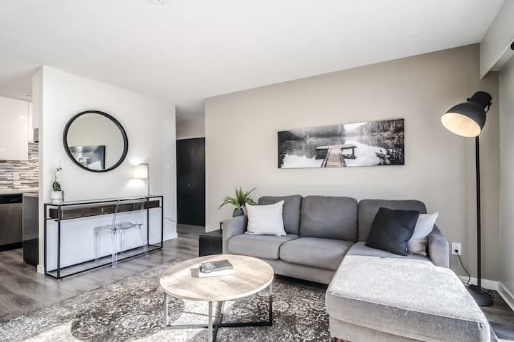 Beautifully Reno'd Ground Level Unit  Maple Ridge