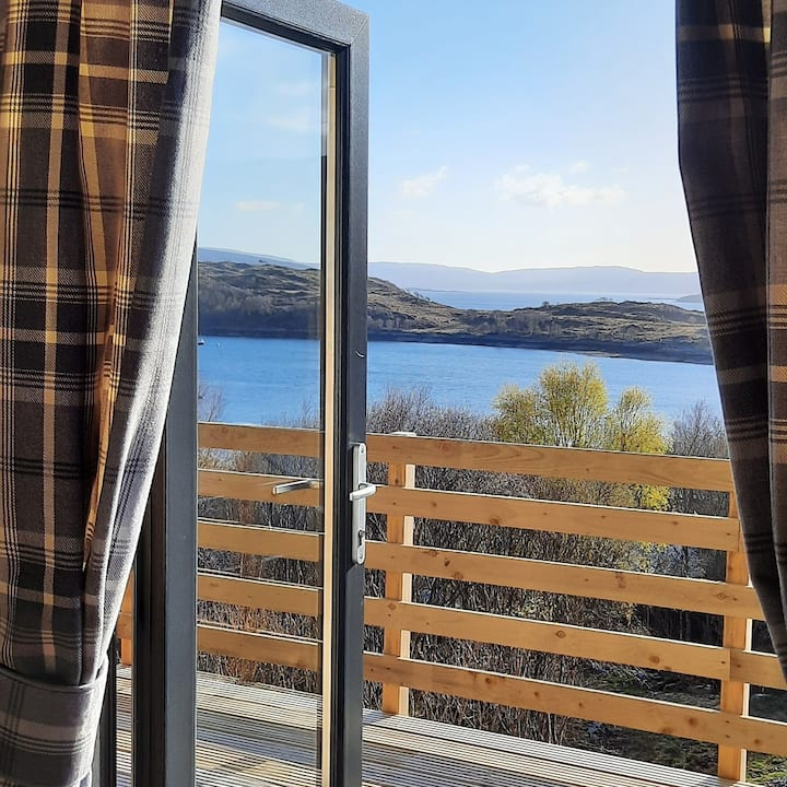 Luxury glamping pod Ardnamurchan, amazing views.