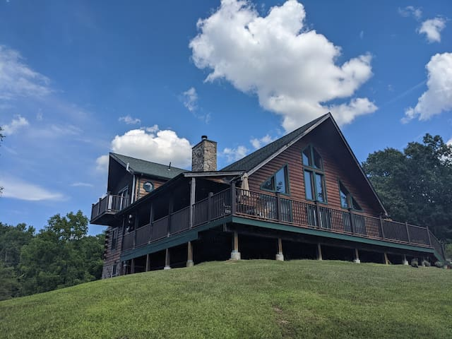 Modern Log House Cabin just an hour from NYC.