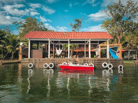 ❂ Casa Shekina frente al Castillo San Felipe