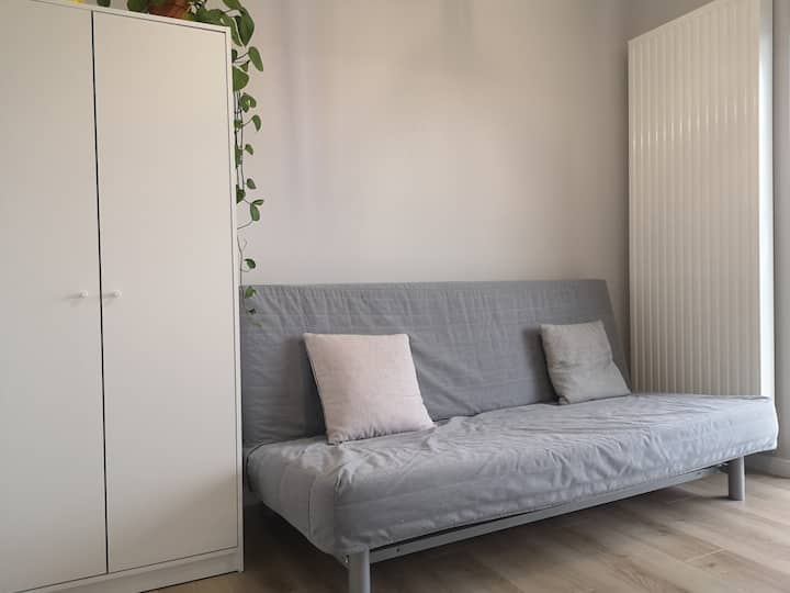 Apartment near the Railway Station and City Centre