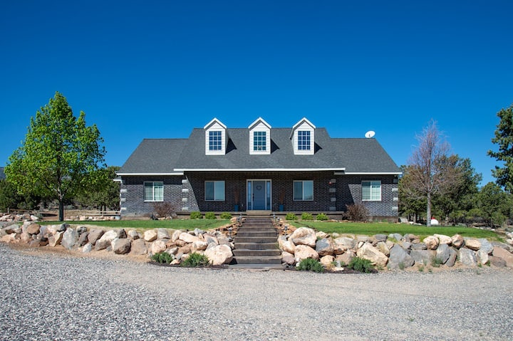 5 Bedroom Home Near Capitol Reef National Park