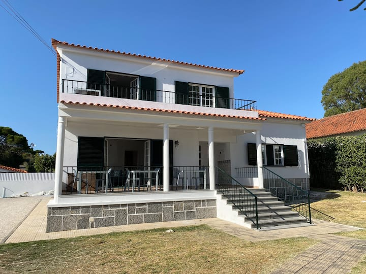 Private villa with 4 bedrooms in Cascais