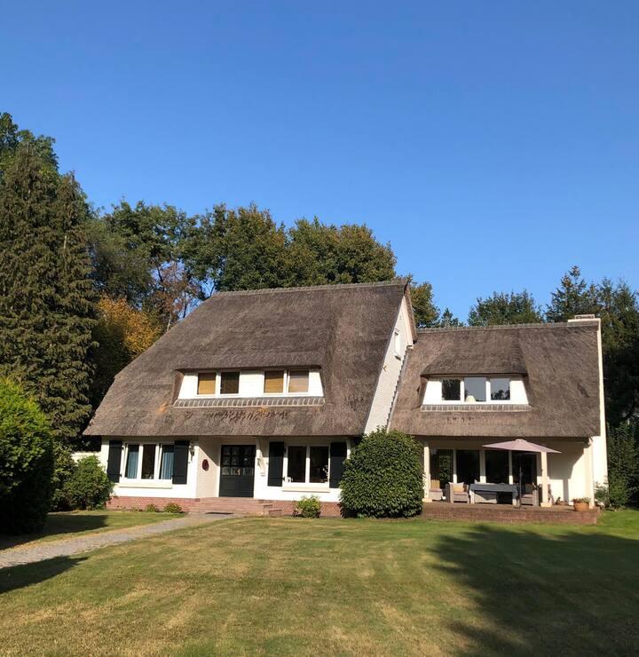 Villa 'Onder het rieten dak' | Bossen & vennen