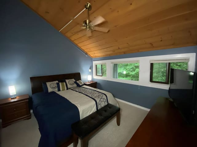 Master Bedroom with king bed, air conditioning and en suite bath