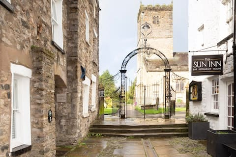 Charming Grade II listed cottage Kirkby Lonsdale
