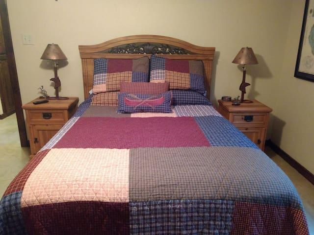 Master bedroom (downstairs)- queen size bed.