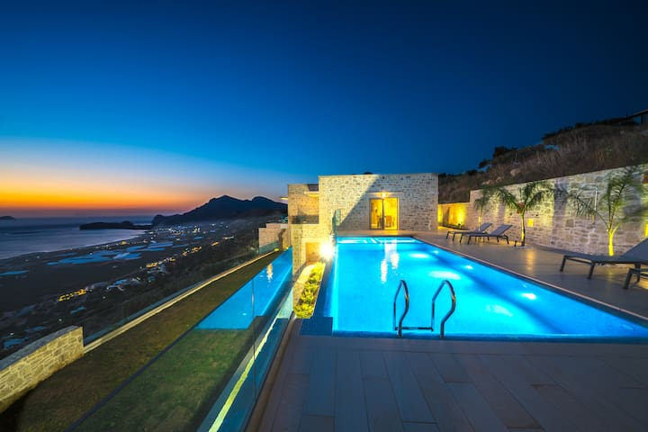 New Lux Villa★Infinity pool★Jacuzzi★Majestic view