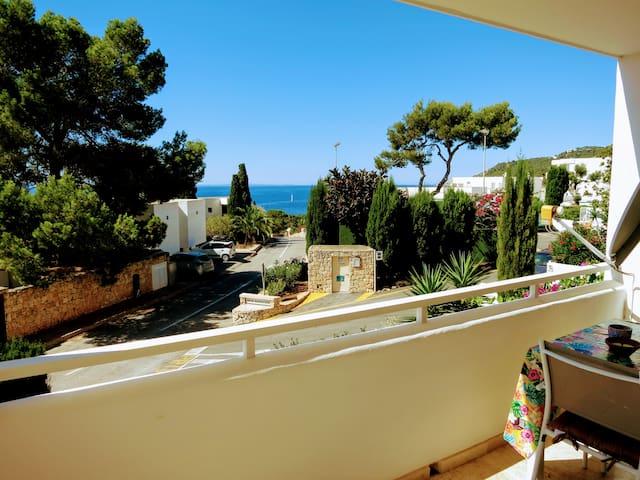 Bright see view apartment at Roca Lisa