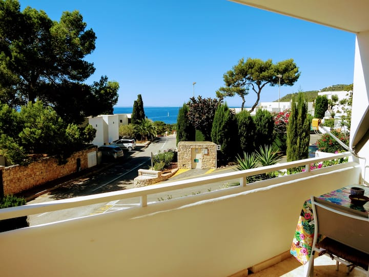 Bright see view apartment at Roca Lisa