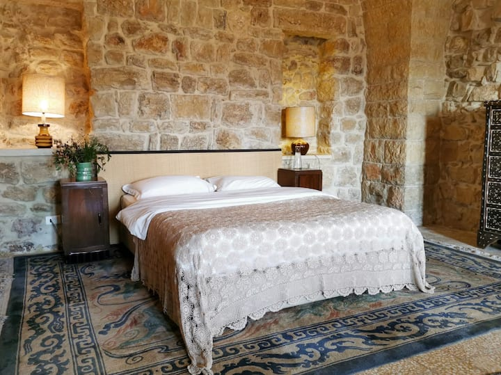 BEYt El Jabal - House of the Hill Suite