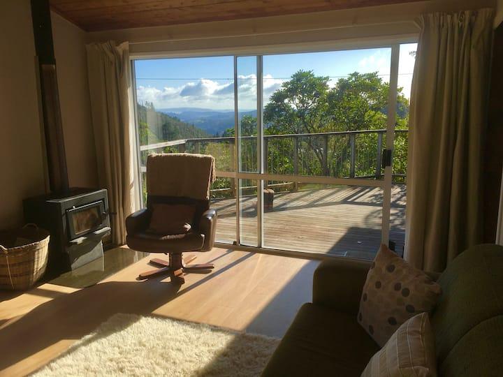 Retreat at Sun Hut near Tairua