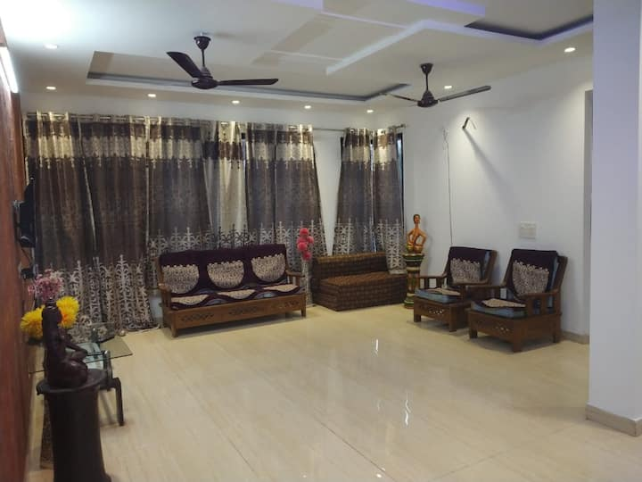 Tumber | Entire 2-BHK | Near by Medanta Hospital