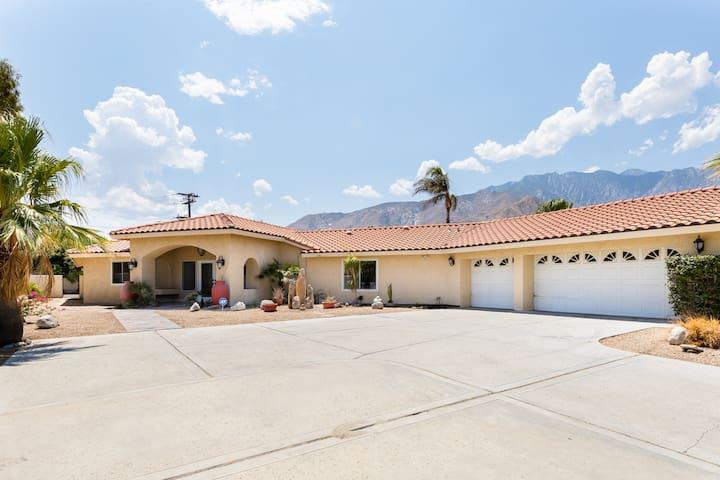 Palm Springs Desert Home Oasis