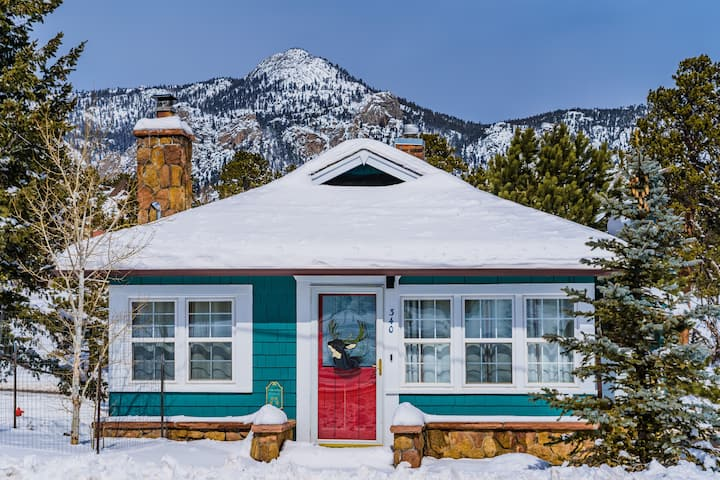 HISTORIC DOWNTOWN COTTAGE NEAR NATIONAL PARK