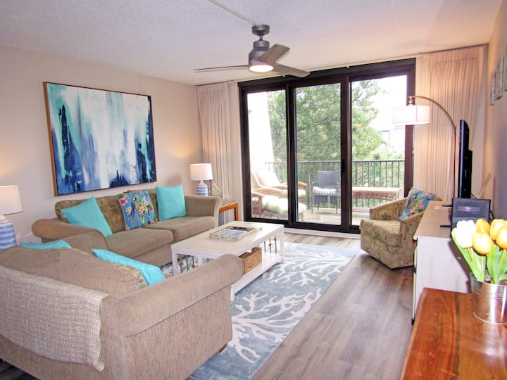 Private comfy condo, steps away from the beach