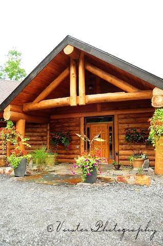 A Friendly, Comfortable & Quiet Country Location 6