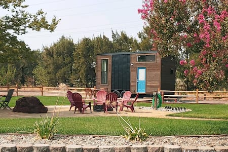 The Tiny Palace, a Tiny House in the Country