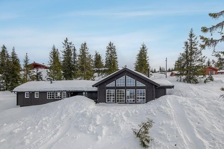 Ski Paradis Sjusjøen, storhytte med flott utsikt