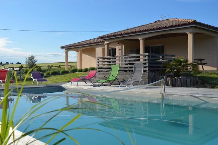 Maison Dordogne Périgord avec piscine privée calme