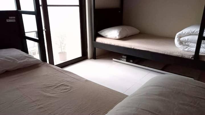 背包客房/都蘭村落/ 私有陽台與落地窗/ 800獨享房間